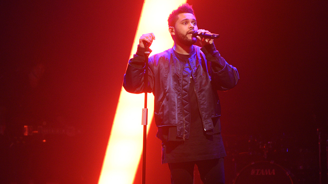 Surprise au concert de The Weeknd à l'AccorHotels Arena (Paris)